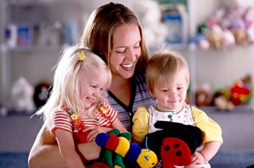 Когда уместно появление в доме няни для ребенка?