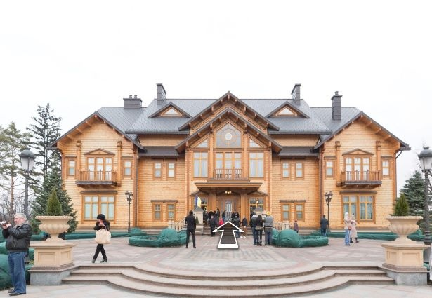 """Резиденцию Януковича в Межигорья """"открыли"""" в Интернет"""