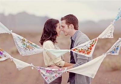 Подарки на ситцевую свадьбу: без носков, цветов и галстука