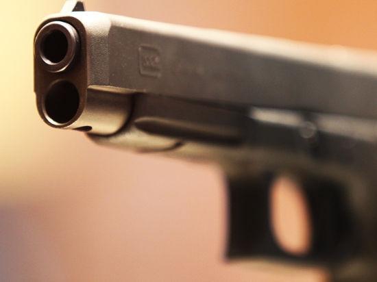 На Киевщине под дулом пистолета охранник стройки отдал наркоману деньги
