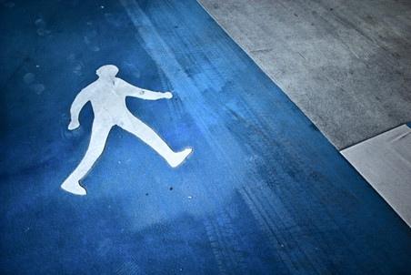 Юноша поплатился жизнью, перебегая дорогу вне пешеходного перехода