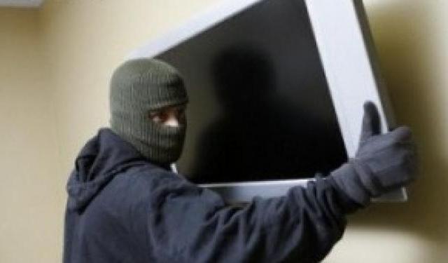 Сын украл у матери телевизор ради наркотиков и загремел в милицию