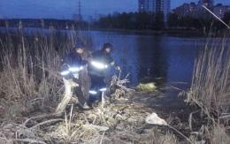 В Киеве на озере погиб мужчина
