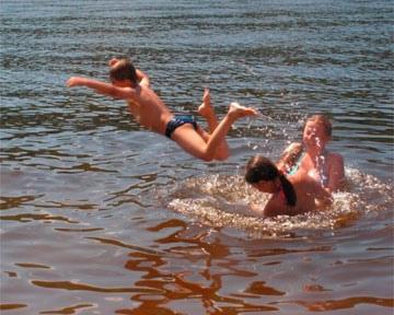 Киевских детей будут обучать плаванию