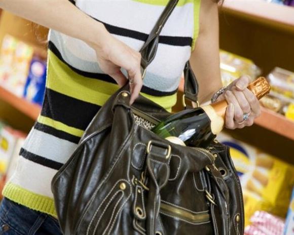 Киевляне стали воровать в супермаркетах