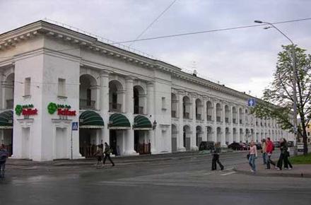Киевляне отвоевали Гостиный двор