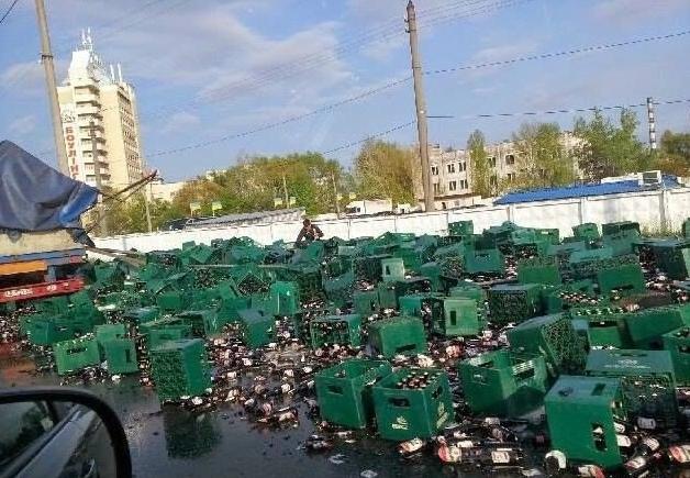 """На Петровке образовалось """"Жигулевское"""" пивное море"""