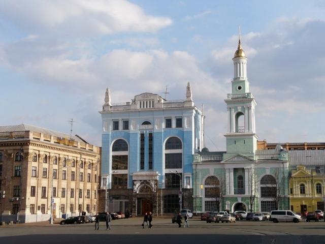 """Киевские архитекторы предлагают изменить вид """"Подольских параллелепипедов"""""""