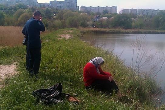 На Киевщине милиционеры откачали утопленницу