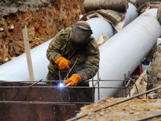 Киевские власти намерены заменить теплосети пластиковыми трубами