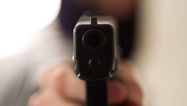 Мужчина устроил стрельбу в лифте офисного центра