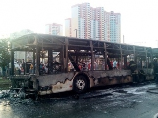 На Троещине сгорел пассажирский автобус