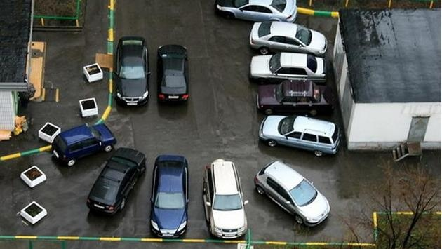 Платных парковок во дворах Киева не будет - В.Бондаренко