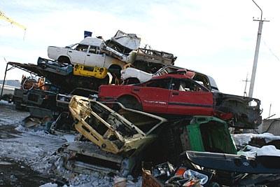 В Киеве уберут все сгнившие автомобили