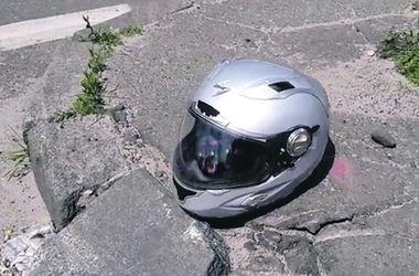 """У метро """"Нивки"""" насмерть разбился байкер"""