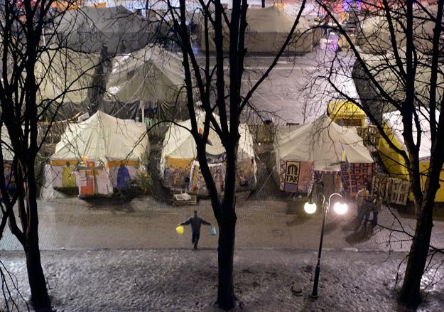Палатки и баррикады на Майдане уберут на субботнике в День Киева