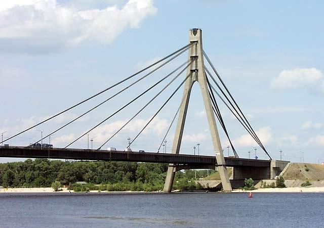31 мая на Московском мосту будет ограничено движение транспорта