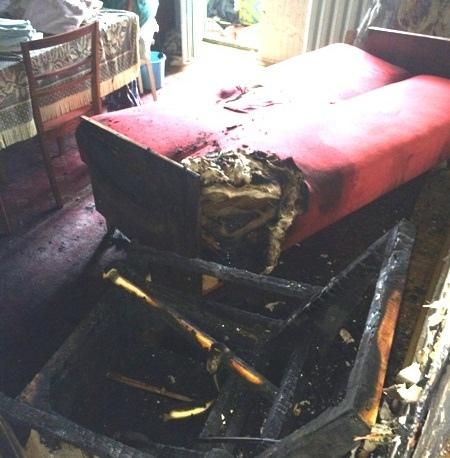 Дедушка сжег квартиру, забыв выключить кипятильник