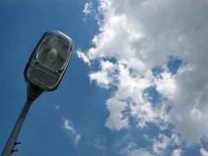Улицы разбитых фонарей: в Киеве может пропасть уличное освещение