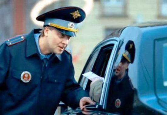 В Киеве водителю авто попался честный ГАИшник