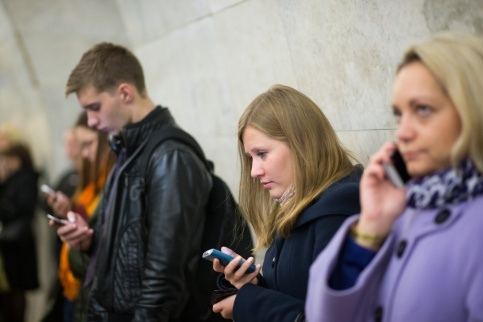 В КГГА рассказали, когда на всех станциях метро будет мобильная связь