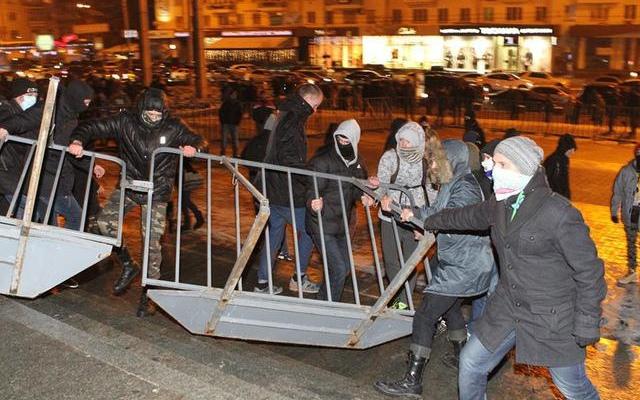 Перед вторым концертом Ани Лорак в Киеве снова произошли столкновения