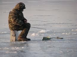 В Днепре утонул мужчина, который рыбачил на льдине