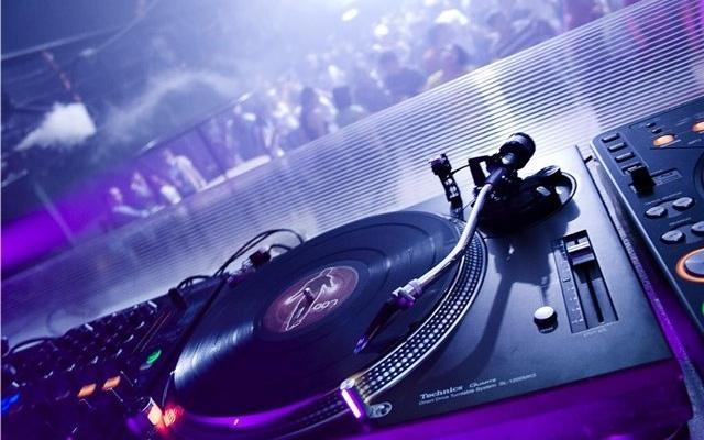 ����� �������� AKA DJ Splash: ������ ����������� ������