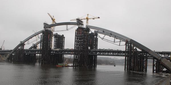 Кличко хочет стать первым мэром, кто достроит Подольско-Воскресенский мост