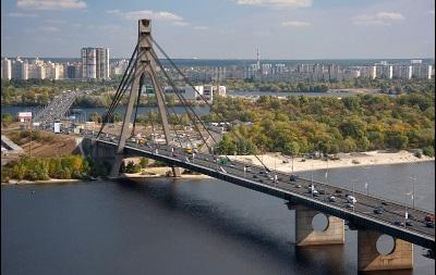 На Московском мосту ограничат движение транспорта