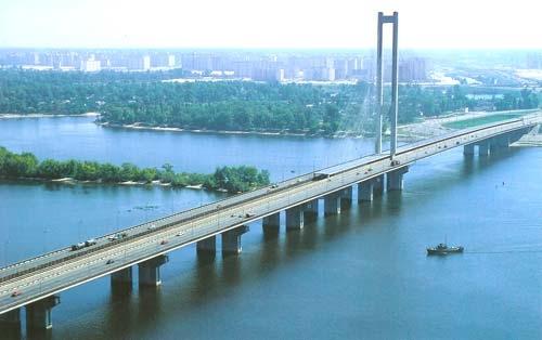 На Южном мосту снова ограничат движение транспорта