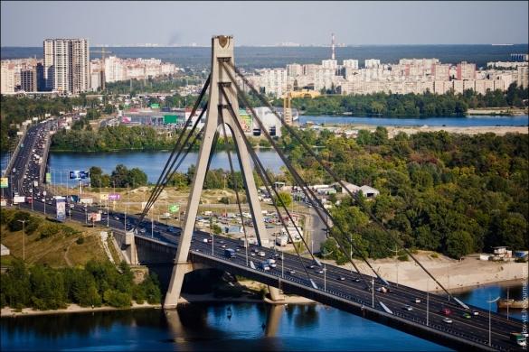 На Московском мосту снова ограничат движение транспорта