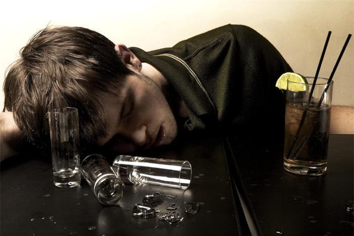 Кличко в шоке, что алкоголь все еще продается в МАФах