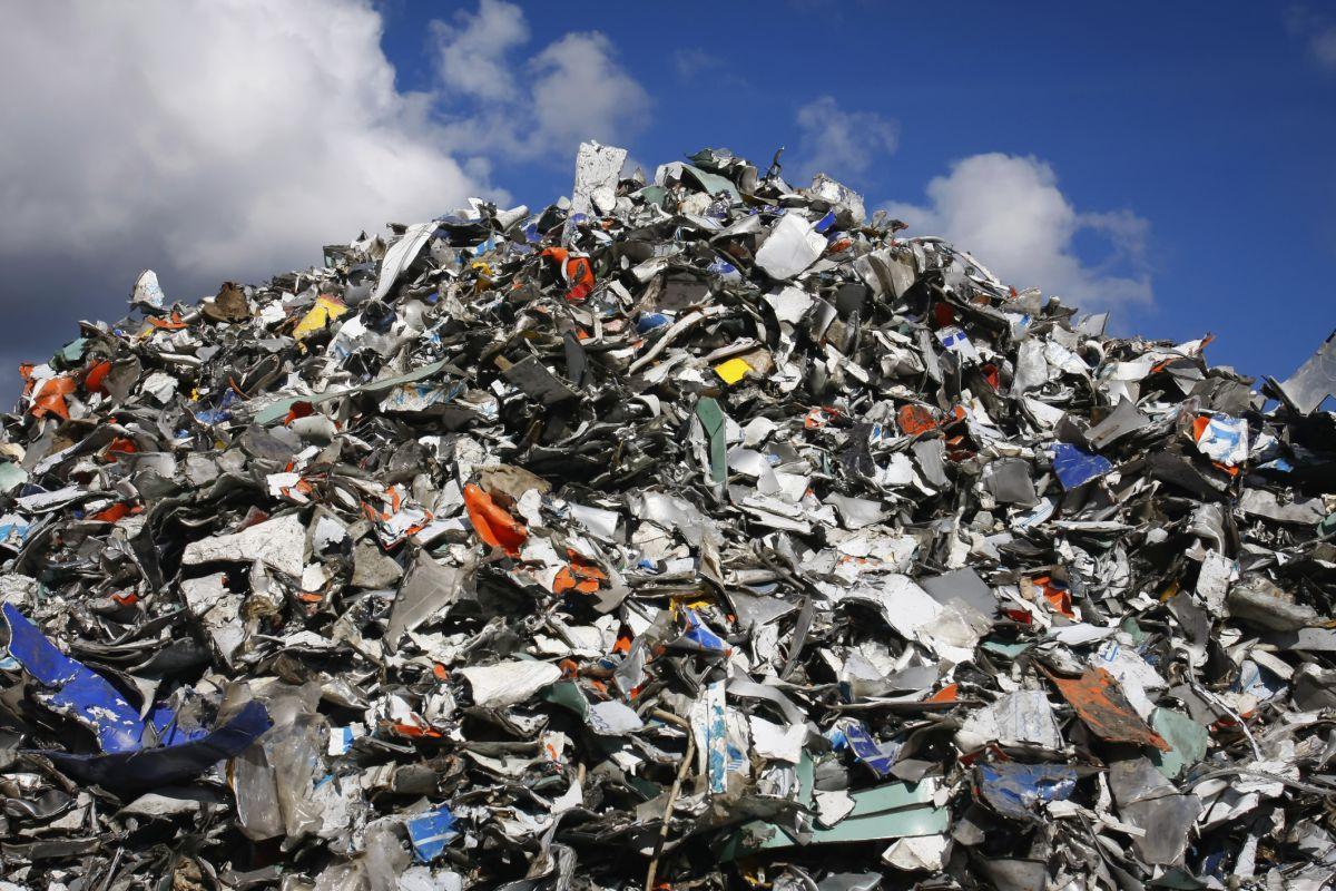 Рука помощи: в Киев будут везти мусорные отходы из Львова