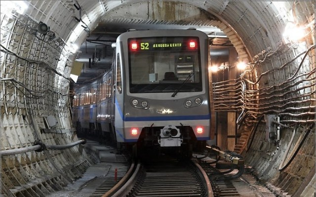 """Метрополитен увеличил скорость поездов на """"зеленой"""" ветке"""