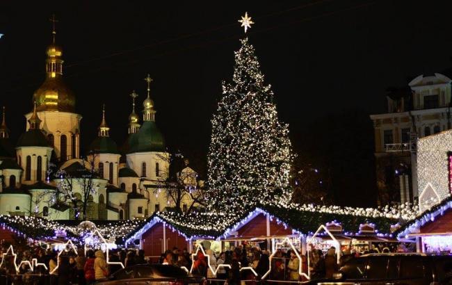 На Софийской площади установят 26-метровую елку
