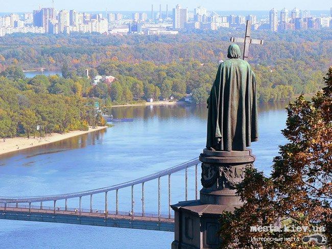 От Владимирской горки до арки Дружбы народов могут построить мост