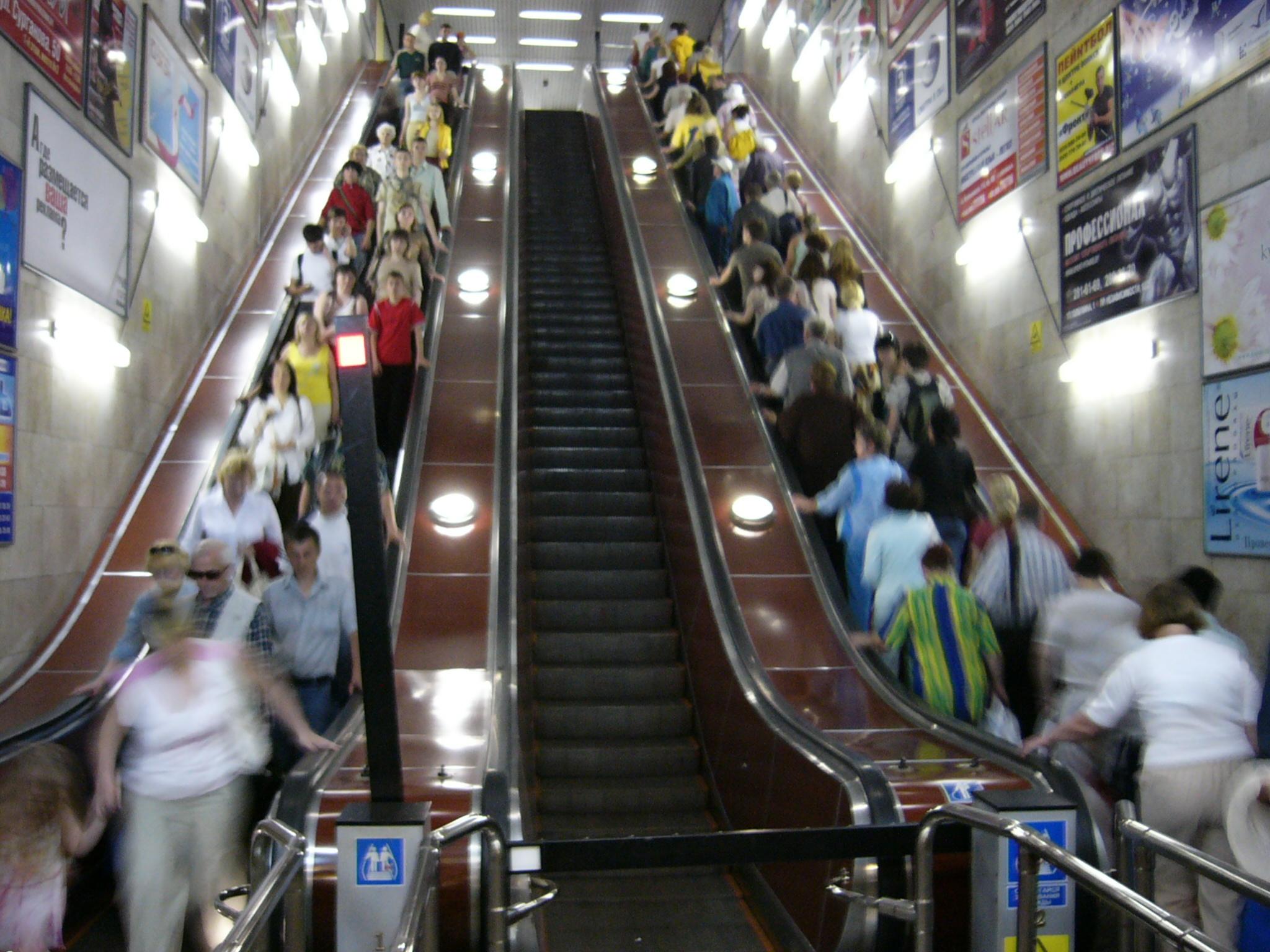 """На станции """"Вокзальная"""" появятся узкобаллюстрадные эскалаторы"""