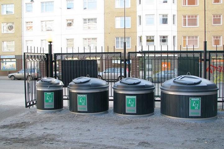 """Подземным мусорным контейнерам в Киеве устроят """"зимний тест-драйв"""""""