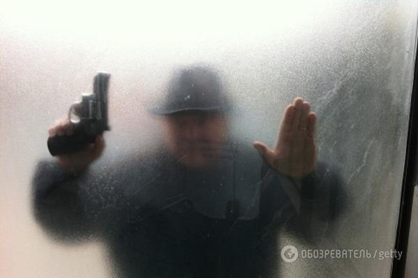 В детской поликлинике Киева задержан вооруженный психопат