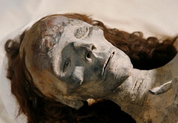 В киевской многоэтажке найдено тело-мумия