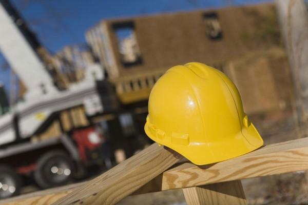 Несчастный случай на стройке: рабочий сорвался с 21-го этажа