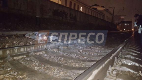 Киевская городская электричка разорвала пополам иностранца