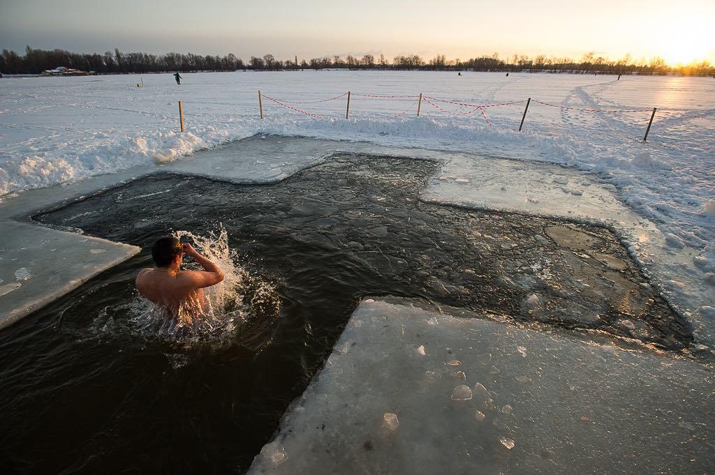 Крещение: где в Киеве нырнуть в прорубь?