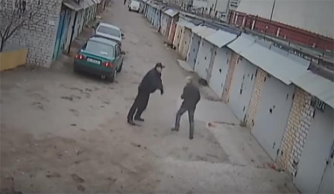 Киевские полицейские побили мужчину