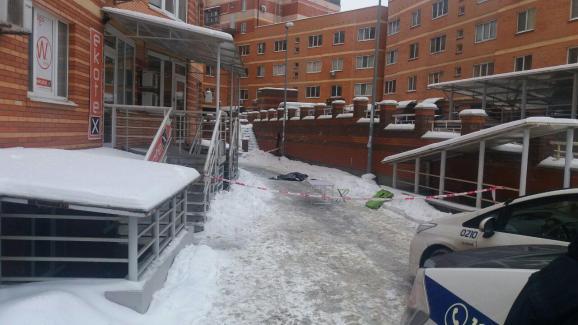 В Киеве женщина выбросила с восьмого этажа ребенка с котом