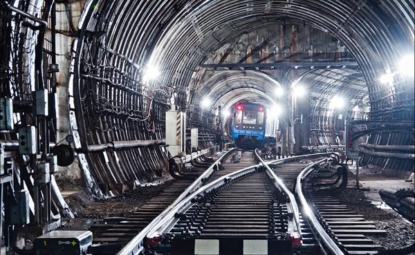 Киевлянам показали эскизы первых двух станций метро на Виноградарь