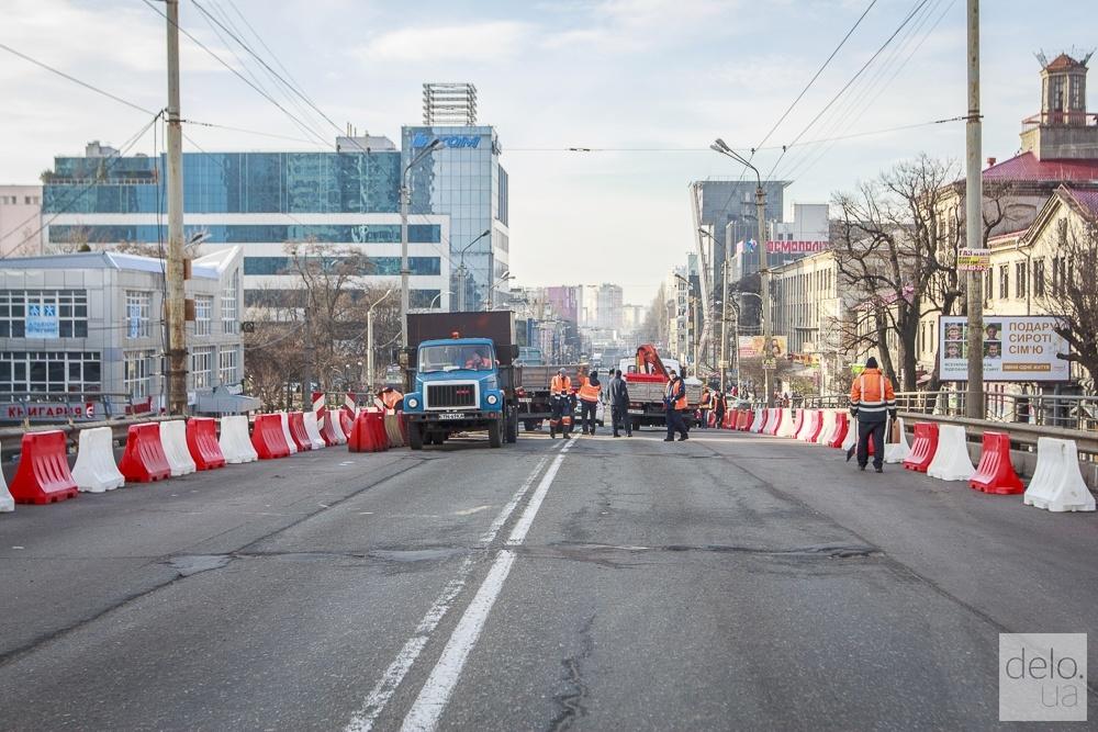 Ездить по Шулявскому мосту разрешат в ограниченном режиме