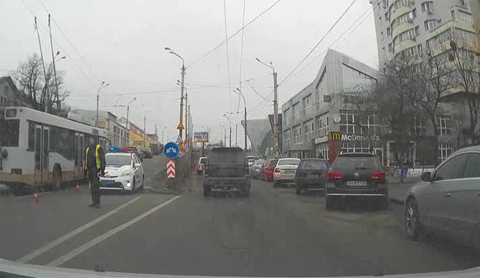Ездить по Шулявскому мосту можно, но с ограничениями