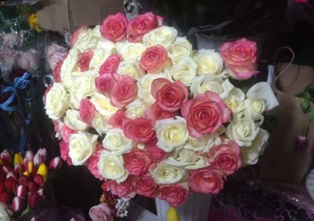 В Киеве подросток украл букет цветов, чтобы подарить девушке